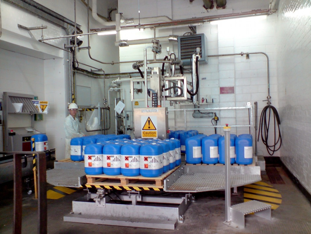 Turntable Filling Line Double Arm XYZ Axis type Filling Machine 1030x773
